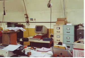 Harmers Credit Controllers Desk 1990